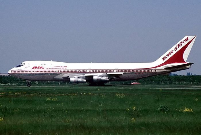800px-Boeing_747-237B,_Air-India_AN1130604.jpg